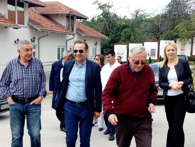 eko-selo-kostunici-poseta-ministra-vlade-srbije-1