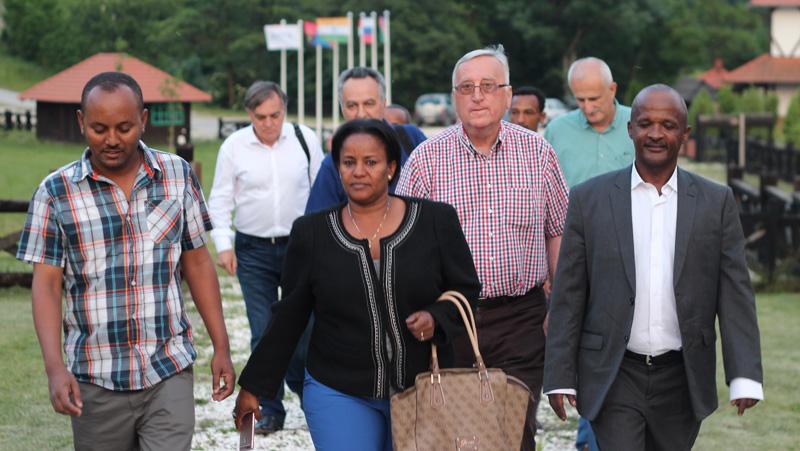 Gornji Milanovac Kostunici delegacija iz Etiopije 07062017 GZS 01